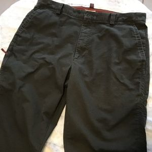 DOCKERS RELAXED FIT MEN'S SIZE 38 X 30 FLAT FRONT